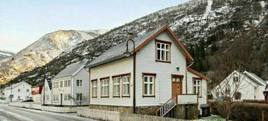 Billegaste i Lærdal: – Ikkje ofte hus til sals i den verneverdige bebyggelsen