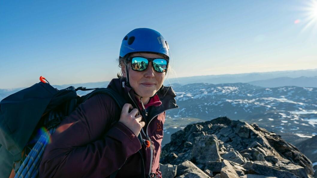 UNIKT: – Årdal er ein klatredestinasjon. Det er få kommunar som har like mange toppar som krever klatring for å nå toppen, seier Veronika Ness.