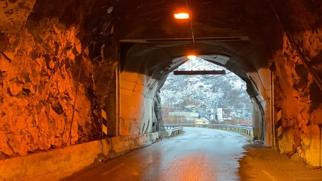 ÅRDAL: Fylkesveg 5633 Seimsdalstunnelen skal stå ferdig i mars 2023.