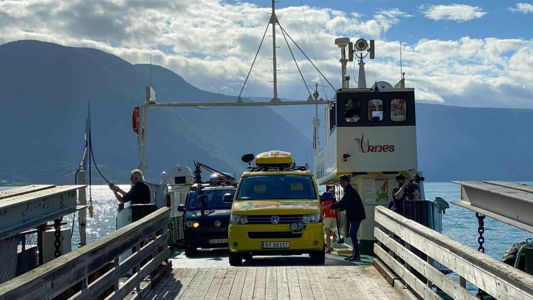 TVIST: Lustrabaatane møtte Scandi Travel i retten for å ordne opp i tvist. Her ser du MF Urnes som er ein av båtane til lustraverksemda.