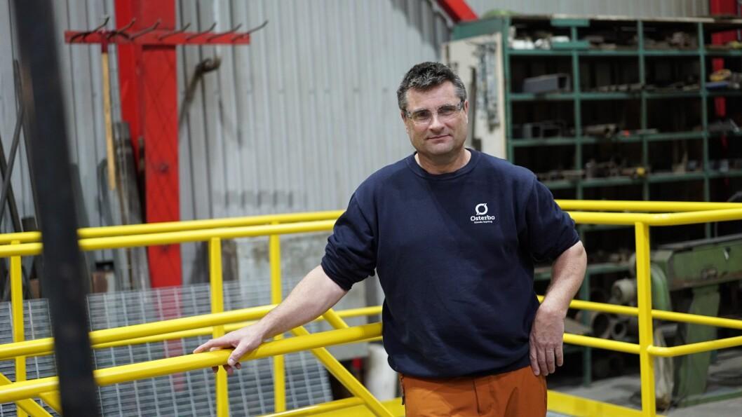 MOT: Steinar Holen, som er mekanisk leiar hos Østerbø Maskin, meiner namnet på grenda der verksemda held til ikkje bør endrast.