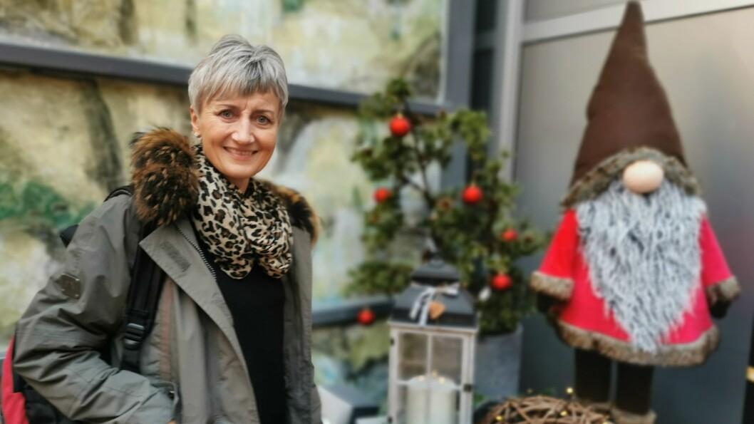 JULEGLEDE: – Ein finn nissar over alt akkurat no, seier leiar Anita Kjørlaug for frivilligheitssentralen i Luster. Engasjementet har skapt glede for både store og små.