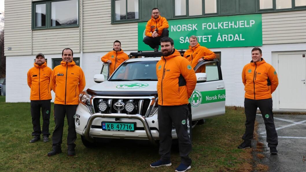FRIVILLIG: Norsk Folkehjelp Sanitet Årdal er alle frivillige som rykker ut om det skulle skje ei ulukke eller nokon som går seg fast i fjellet eller liknande.