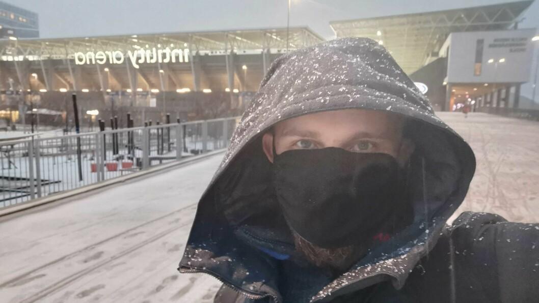 PÅ PLASS:  Journalist er på plass på Intility Arena for å dekkje kampen i kveld.