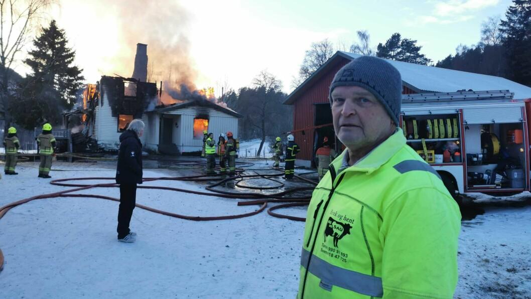 NIFST: Noko av det første Sverre Bruheim gjorde etter at han hadde ringt 110 var å sjekke om det stod bilar på tunet og om nokon kunne vere i huset.