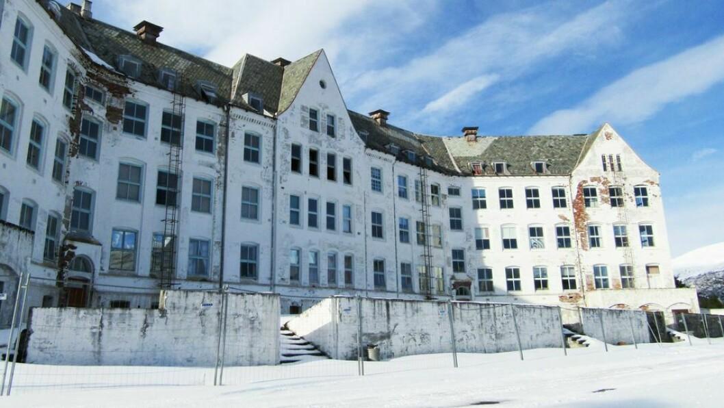 HARASTØLEN HOTELL: Våret 2020 sa Terje Svindland til Porten.no dei framleis jobba for å finna ei løysing for det gamle sanatoriet.