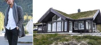 Erlend (27) merkar godt til den brennheite hyttemarknaden i Sogn