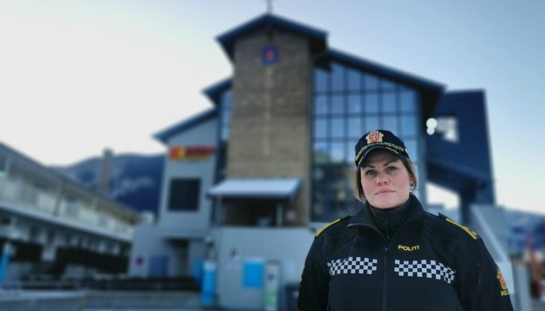 INDRE SOGN: Jorunn Furuheim ved Sogndal lensmannskontor oppsumerer veka til politiet.