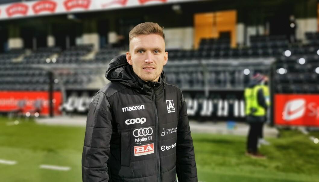 TAKKAR FOR SEG: Kristoffer Valsvik har spelt sin siste kamp for Sogndal, og har no meld overgang til IK Start.