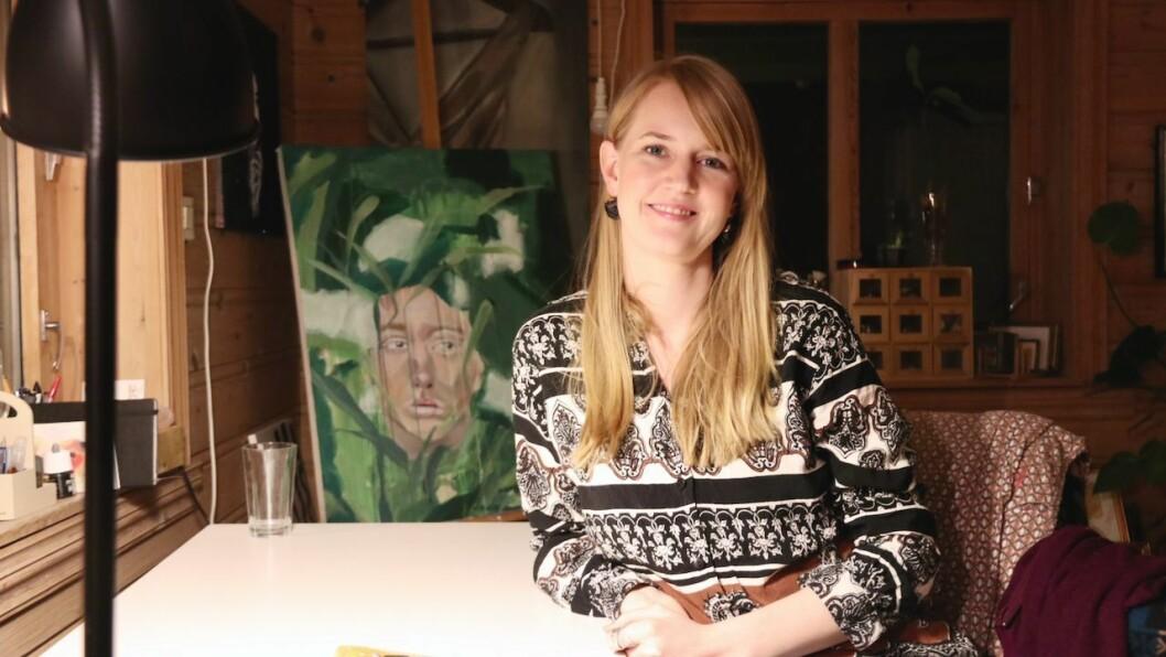 KUNST: Vibeke Nordtømme Floridon nyttar vassfargar, akrylmåling og blekk i arbeida sine.