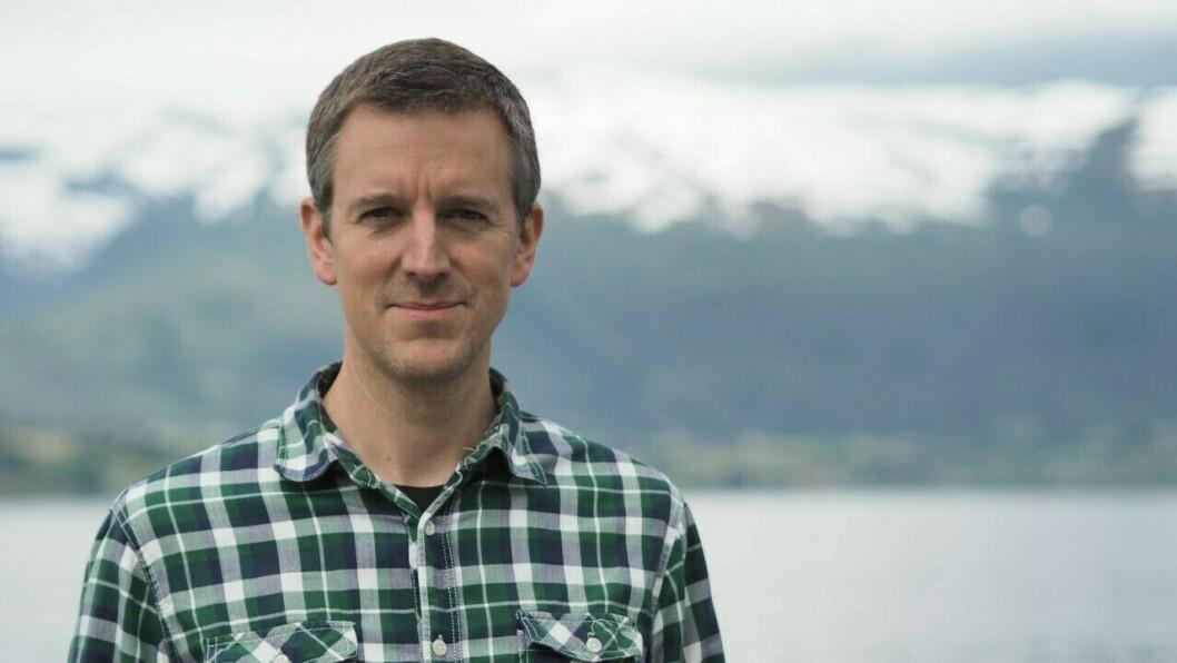 KRITISK: Førstekandidat til Stortinget for Senterpartiet, Erling Sande, meiner at Arne Johannessen forsøker å få det til å sjå ut som Senterpartiet svartmålar innsatsen til politiet.