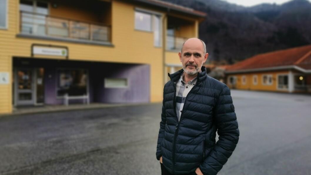 ÅTVARAR: Koronasmitta kan komme hit, åtvarar kommuneoverlege Leiv Erik Husbø