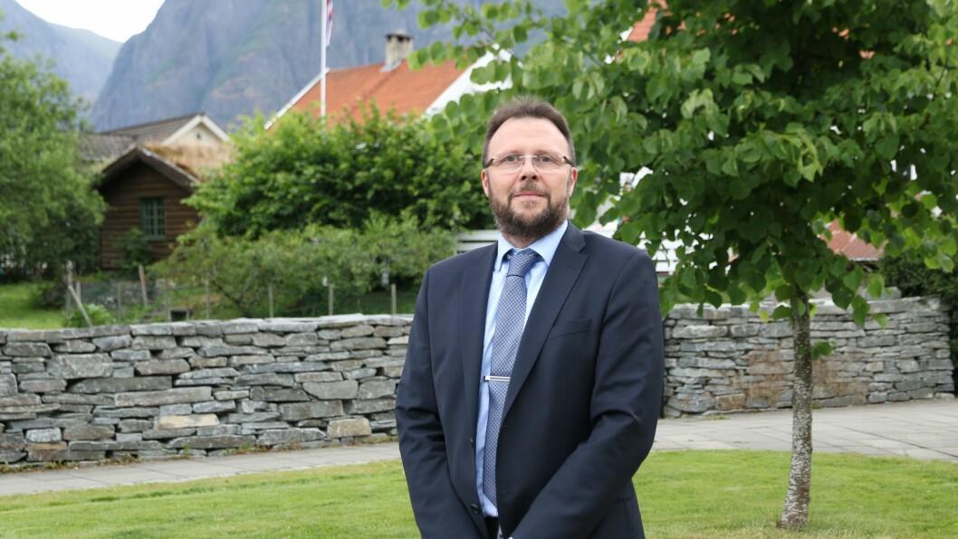 TRE NYE ÅR: Sogn Sparebank har fått tilslag på tre nye år, med opsjon på eitt ekstra.Her med Administrerande banksjef, Mads Arnfinn Indrehus.