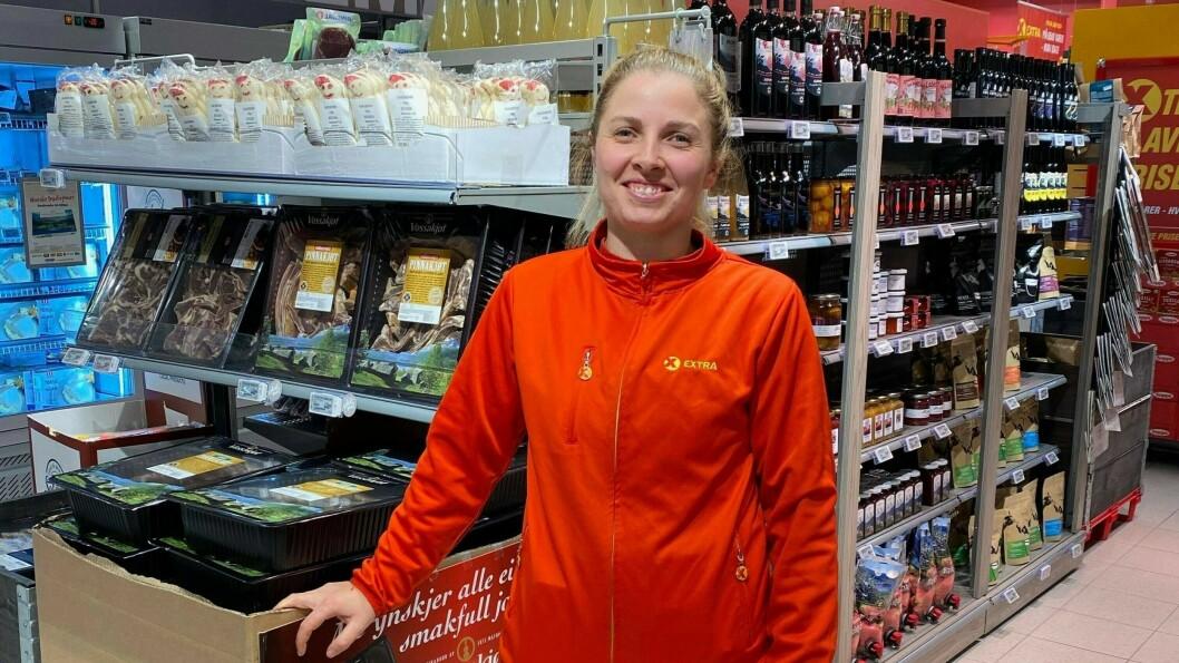 Malin Hovland, butikk sjef for Coop Lærdal trur at fleire har fått opp auga for både å reisa lokalt, og ete lokal mat.