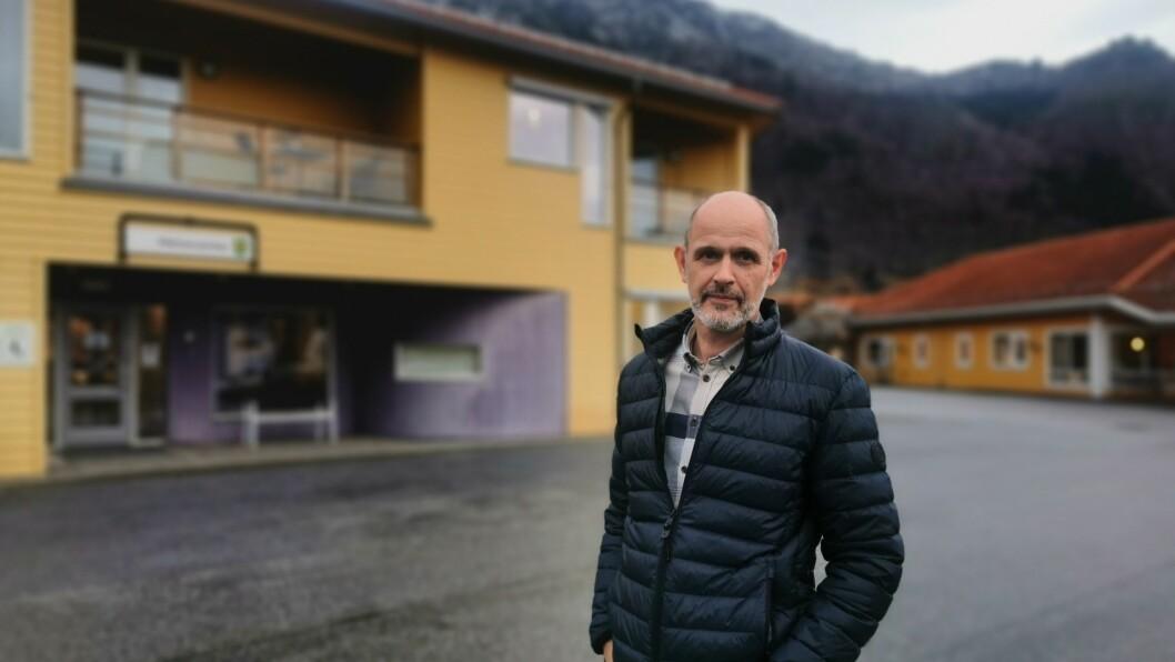 UTOLMODIG: Kommuneoverlege Leiv Erik Husabø er blant fleire som har byrja å bli utolmodig over kor sakte det går med vaksine-leveransane.