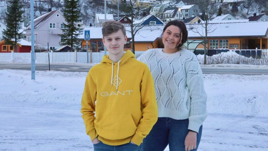 ENGASJERTE: Rune Dale Ullebø og Hedda Andrine Skår Indrebø jobbar for at endå fleire ungdommar skal engasjere seg i vindkraftsaka.