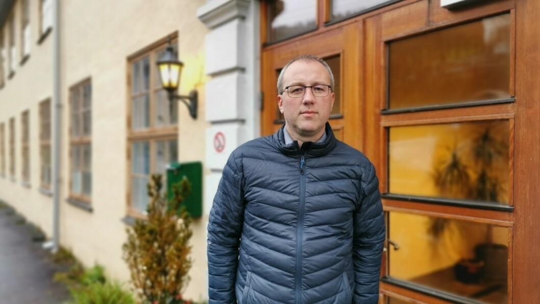SMITTE: ordførar i Sogndal Arnstein Menes stadfestar at fire personar har fått påvist smitte i balestrand.