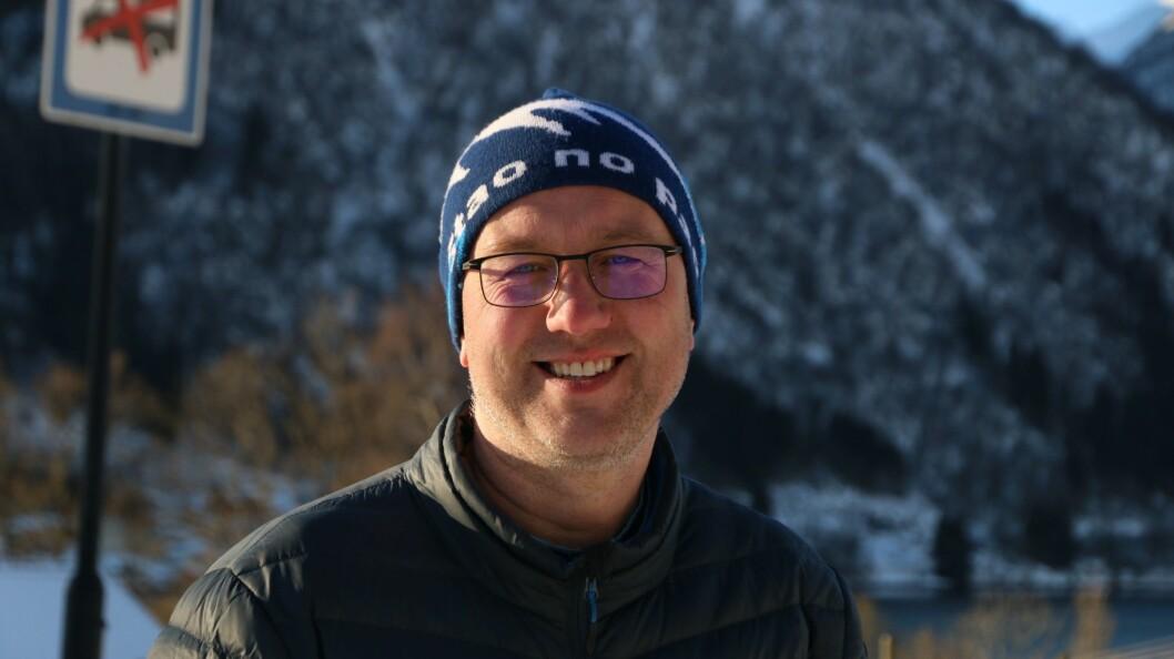 SMILAR: Ordførar i Sogndal, Arnstein Menes, har fått svar på om koronaviruset som smitta i balestrand var av det muterte slaget.