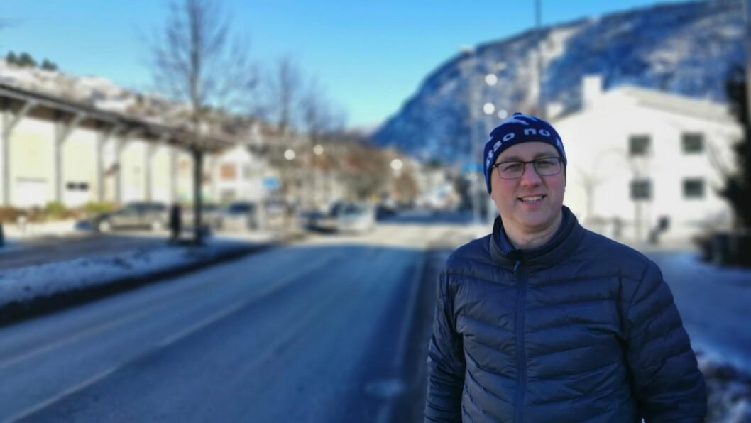 MOGLEGHEITER: Ordførar i Sogndal Arnstein Menes meiner eit bilfri Sogndal sentrum kan gje mange fordelar for tettstaden som regionsenter.