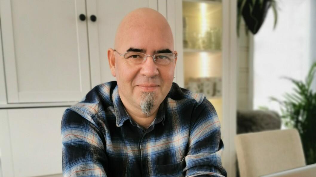 SLAGRAMMA: Michael Milde er leiar i blindeforbundet og sjølv slagramma.