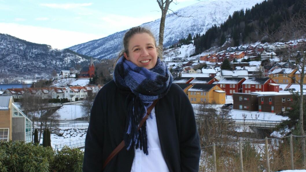 HEIME IGJEN: Tara Holm budde i Luster i Luster, og har ikkje budd i Sogn på 15 år. No flyttar ho til Sogndal for å jobba på Vestlandsforsking.