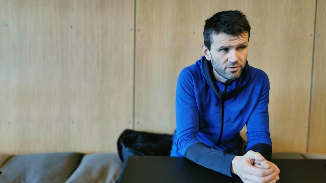 USIKKER: Sogndal fotball får ikkje lov å spele treningskampar. No er trenar Eirik Bakke bekymra for om serien kan starte opp første veka i april, eller ikkje.