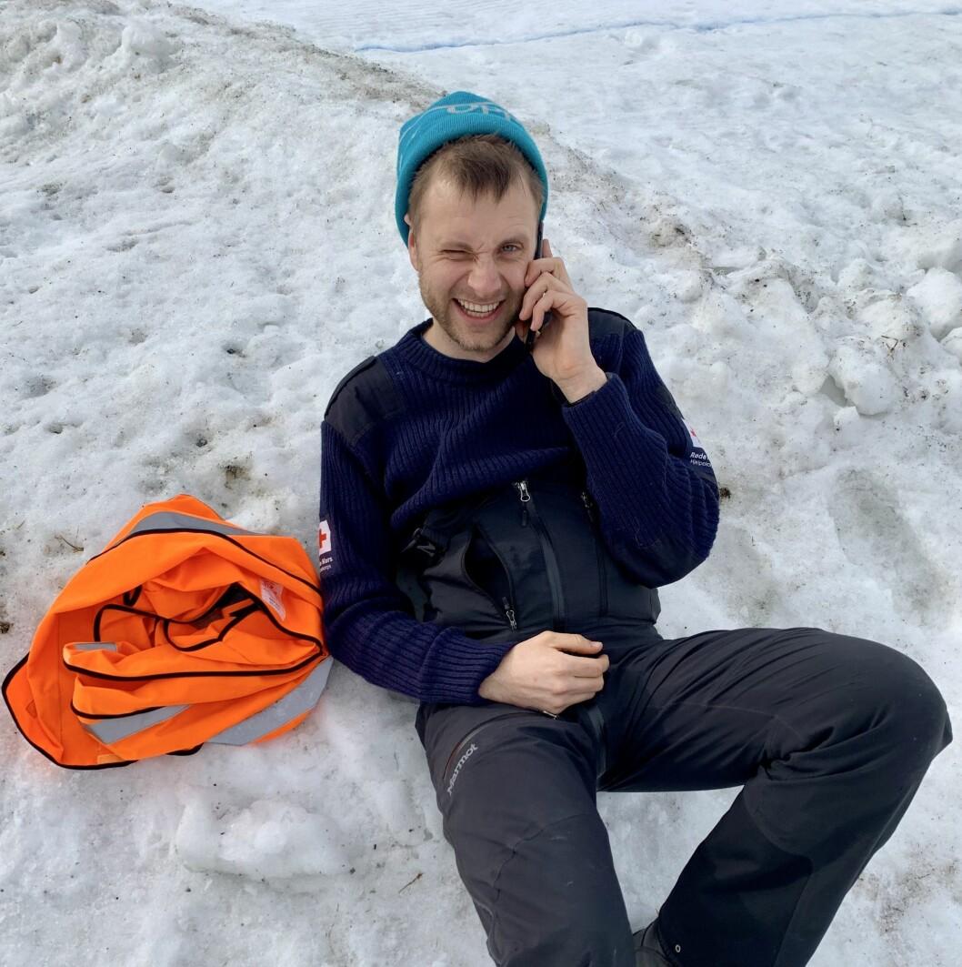 UHELDIG: Festivalsjef Stian Hofslundsengen enda på sjukehus etter å ha slått seg på isen. Heldigvis kom han unna med lettare skadar.