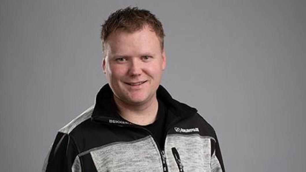 INVESTERER: Stian Hellebust i Sogn Elektro.