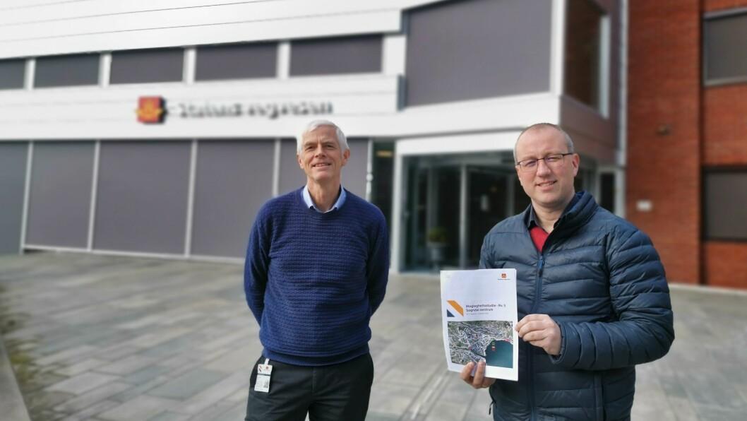 UTKAST: Nils Magne Slinde i vegvesenet har no gjeve eit mogleg utkast for tunnelplanane i Sogndal, som ordførar Arnstein Menes kan ta med seg inn i neste kommunale møte.