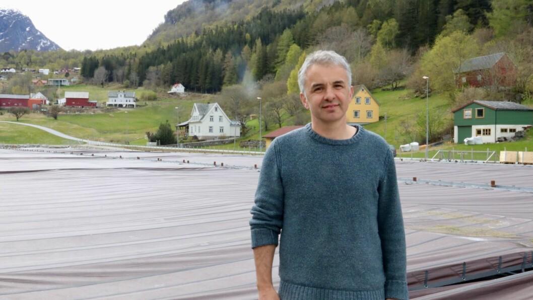 OPTIMIST: Trass mange utfordringar og mykje arbeid med rask omstilling det siste året, er dagleg leiar i Sogn Aqua, Jan Arne Brekke, framleis optimist.