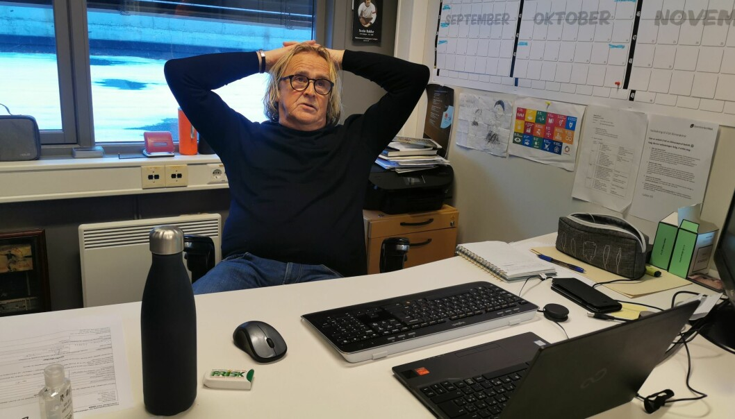 TAKKAR FOR SEG: Rasmus Mo gir seg som dagleg leiar i Sogndal Fotball. Kva som ventar no har han ikkje funne ut av enno, men han fortel at han er stor nok til å velja det sjølv.