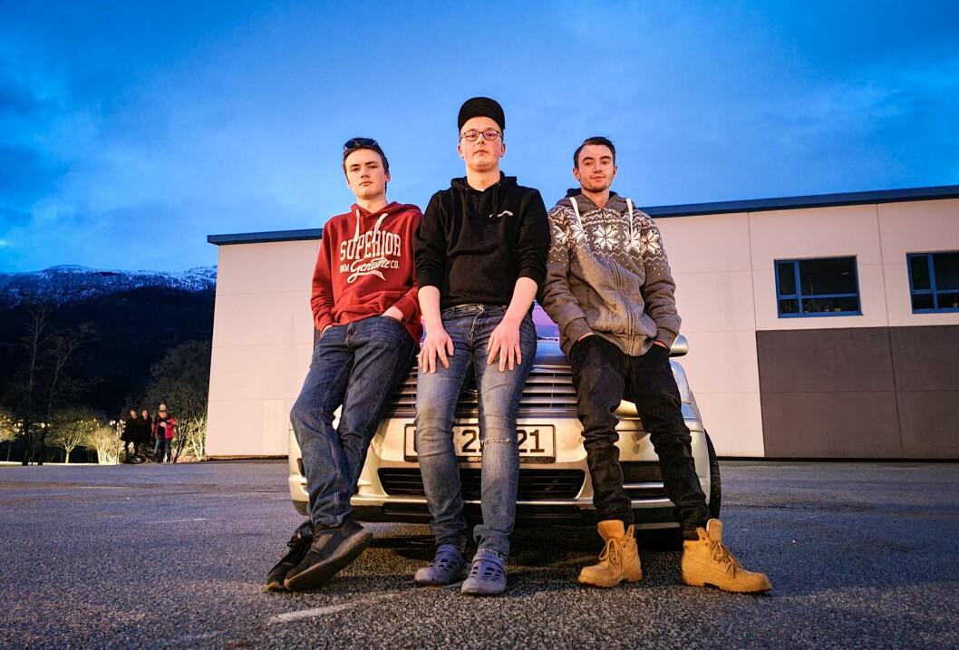 STREETMEET I FØRDE: Marius Brenden (18), Sivert Saur (18) og Simon Nilsen (21) stiller opp på stortreff i Førde.