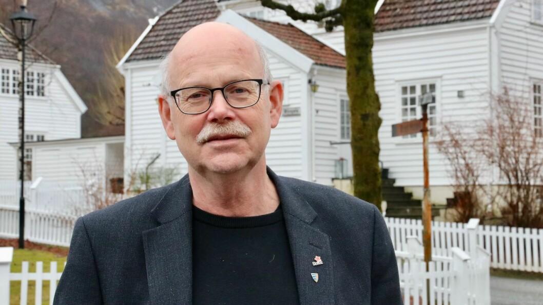 FEIL: Han er kritisk til at Hydro har bestemt seg for å selje dei to norske valseverka.