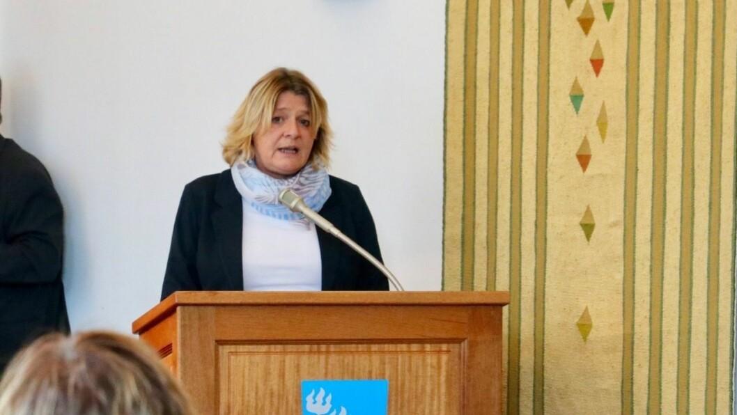 OPPFORDRING: Hege Rusti i Høyanger Ap oppfordrar eigarane av Høyanger hotell til å selje hotellet dersom dei ikkje har tenkt å få aktivitet der igjen.