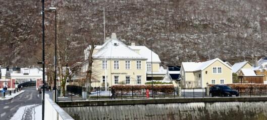 Eigarane av Høyanger hotell: – Intensjonen er framleis å få ei fullverdig hotelldrift