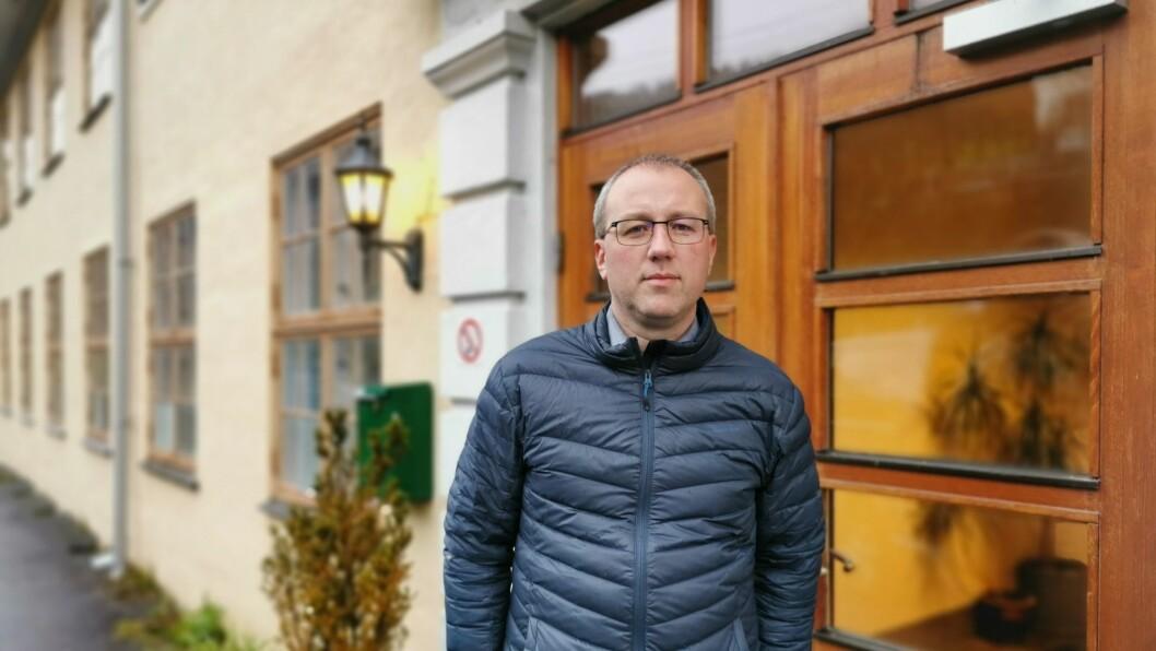 MUTASJON: Måndag fekk kommunen og ordførar Arnstein Menes beskjeden dei frykta: Utbrotet på Kaupanger skule har samanheng med det muterte viruset.
