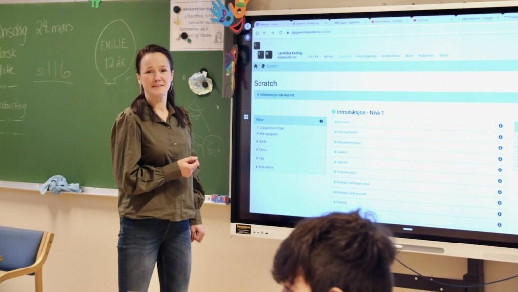 GLER SEG: Reidun Huseby Vilsvik gler seg til å byrje å lære elevane på kulturskulen programmering.