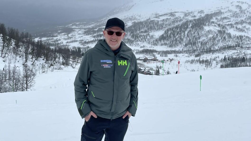 OPTIMIST: Dagleg leiar Per Odd Grevsnes ved Sogndal Skisenter seier dei har smittevernreglane på stell, når folk frå nær og fjærnt kjem til skisenteret i påska.