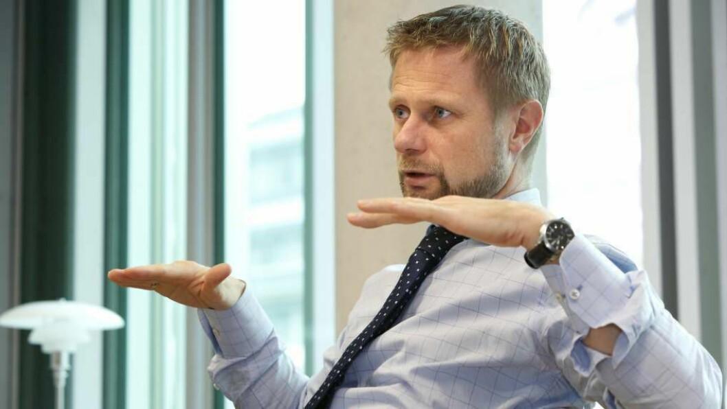 NYE TILTAK: Helseminister Bent Høie og regjeringa presenterte i dag nye, strenge koronatiltak.