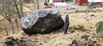 Steinar store som lastebilar rasa ned i Aurland. Hus skal ha blitt treft av steinsprut.