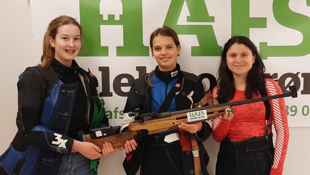 IMPONERTE: Lene Marie, Mathilde og Elina oppnådde knallresultat.