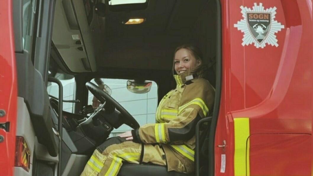 IKKJE KVIEN: Ikkje berre blir ho den einaste kvinnelege brannkonstabelen på stasjonen, men ho blir den yngste i gjengen òg.