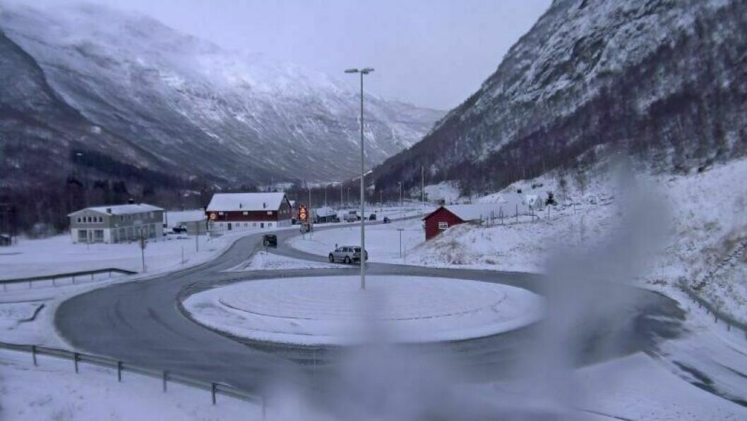 Borlaugkrysset før Filefjellet og Hemsedalsfjellet måndagsmorgon.