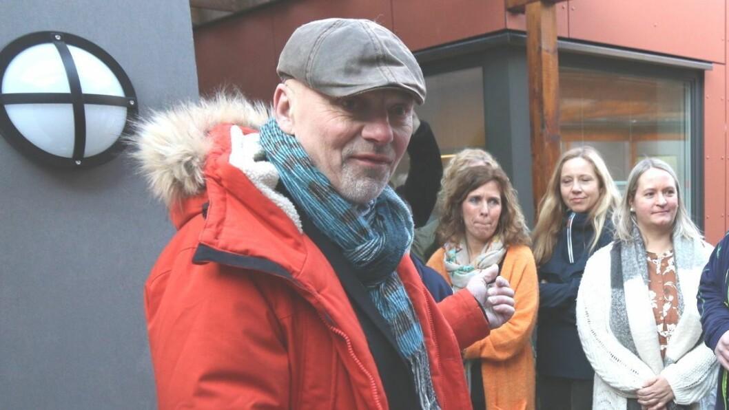 NØGD: Kommunedirektør Stig Stark Johansen fekk grunn til å smile når han såg søkjartala. 26 personar vil bli ny leiar i kommunen.