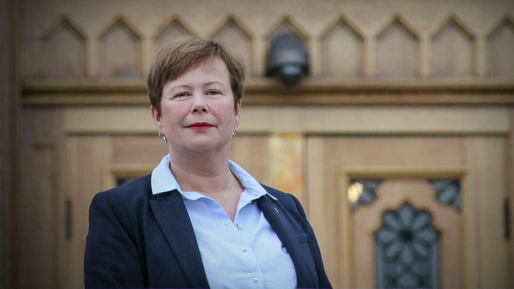 KRITISKE: Stortingsrepresentanter for Senterpartiet, Siv Mossleth og Bengt Fasteraune er kritiske til  «liberalisering av drosjenæringa».