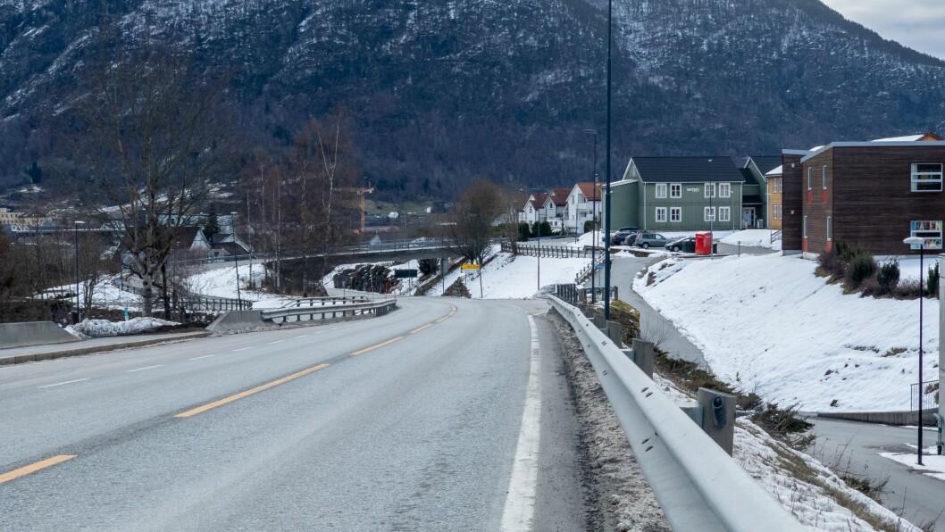 FORT: Det gjekk alt for fort i 70-sona opp frå Sogndal sentrum mot Sogndalsdalen natt til søndag.