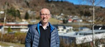 Ordføraren klarar ikkje å halde maska: Her er nokre av dei 140 namneforslaga som har kome inn for den nye brua i Sogndal