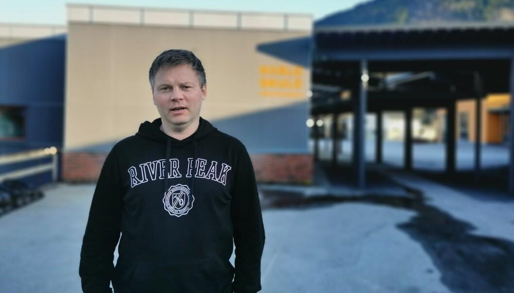 HÅPEFULL: Rektor Kjetil Sønnesyn ved Kvåle Skule håpar at planane om fleirbruks- og basishall kan sjåast i samanheng med skule.