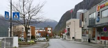 Politinatta: Russ velta bosspann i Høyanger