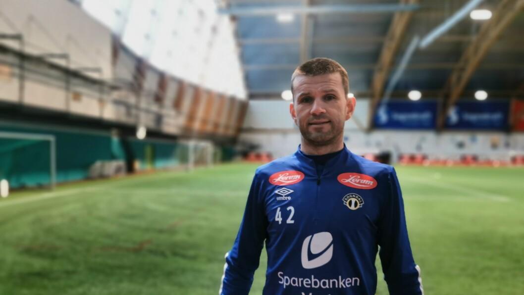 DEPPAR IKKJE: Eirik Bakke er nøgd med det han såg - spesielt første halvtimen mot Aalesund i dag.